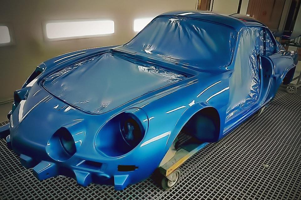 carrosserie gentil restauration en cours de voitures anciennes. Black Bedroom Furniture Sets. Home Design Ideas
